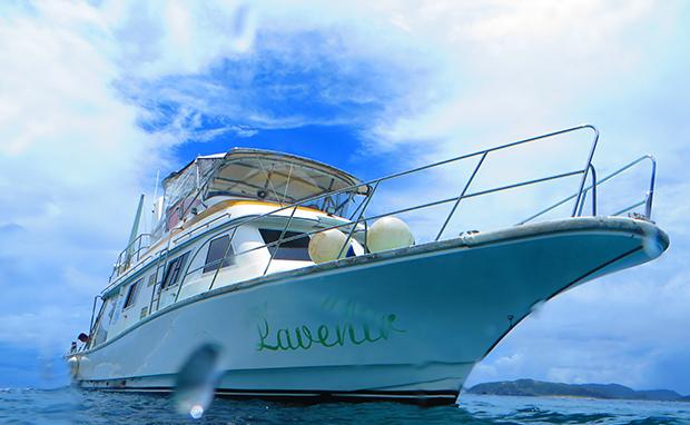 ダイビング専用自社ボート「ラブニール」