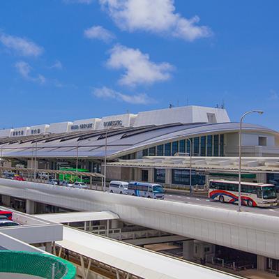 1日目は那覇空港にお迎えに行きます